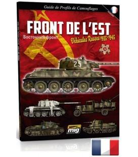 """Libro """"Front de l'est. Vehicules Russes 1935-1945""""."""