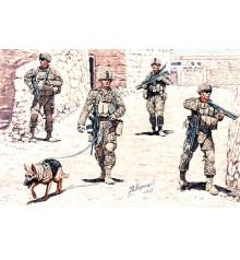 Modern US Infantrymen. Cordon and Search - 35154