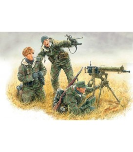German Machinegun Crew, Eastern front, Kurland 1944 - 3526
