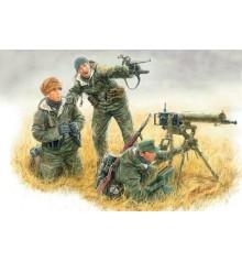 German Machinegun Crew, Eastern front, Kurland 1944 - 3526