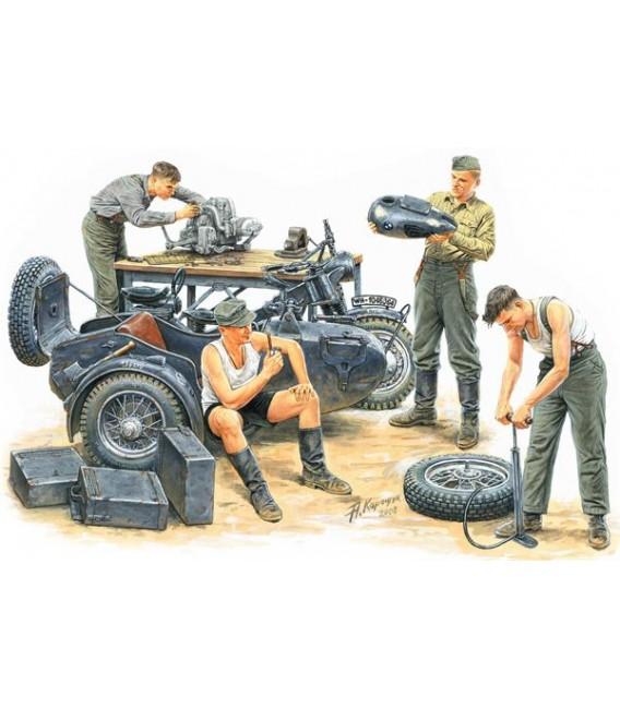 German Motorcycle Repair Crew - 3560