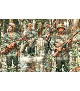 U.S. Marines in Jungle, WWII - 3589