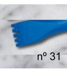 b) Carving flat teeth chisel 14 mm. 5 t.