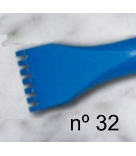 c) Gradina de diente plano para escultura de 20 mm. 7 d.