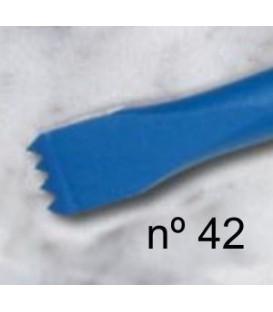 a) Gradine dent aiguise pour sculpture de 11 mm. 4 d.
