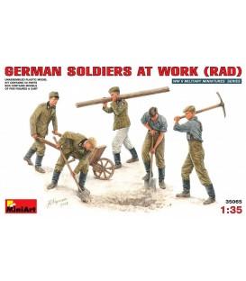 35065 German soldiers at work (RAD)