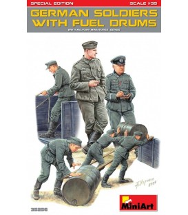 35256 German Soldiers w/Fuel Drums. Special Edition